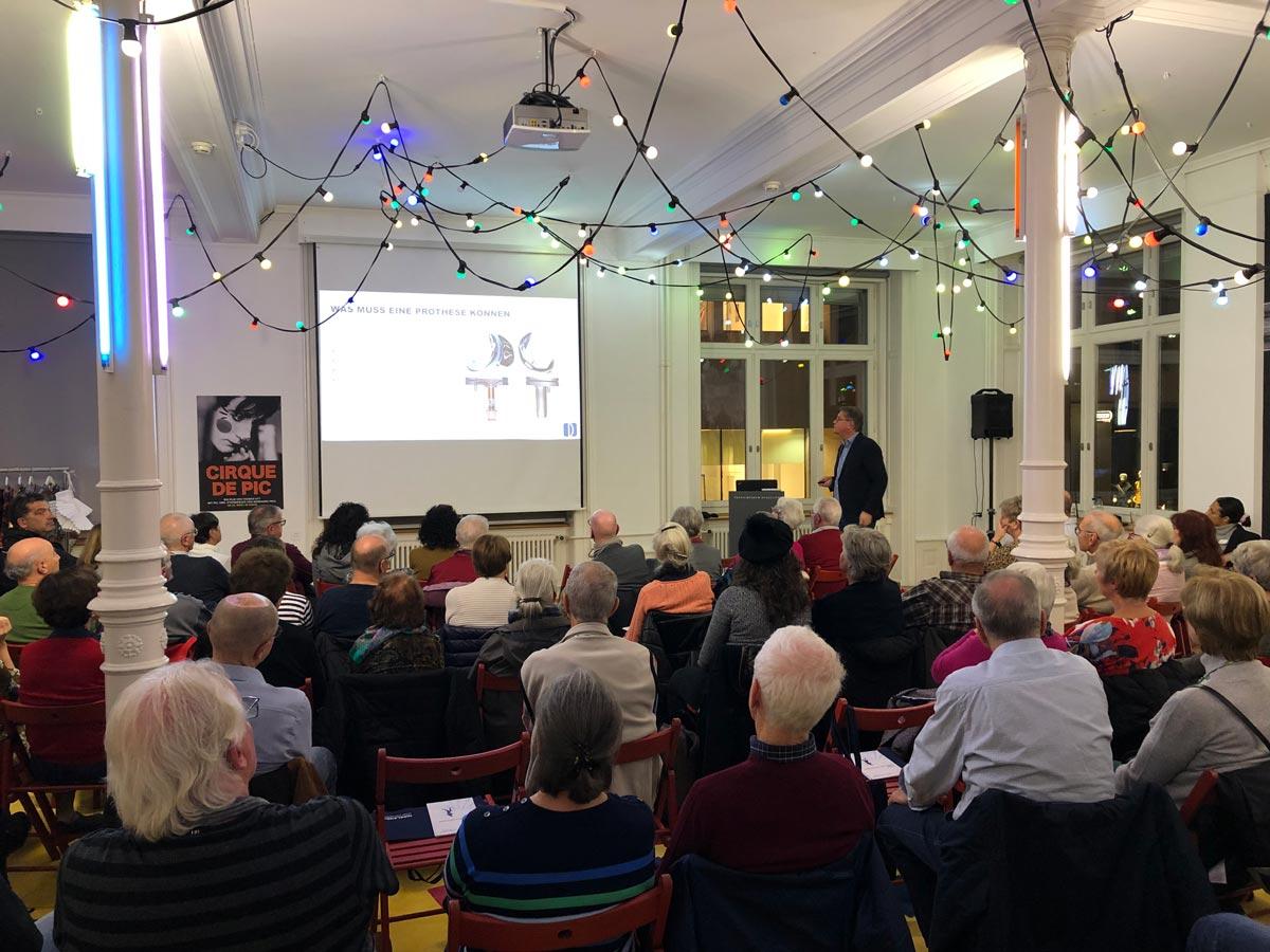 Publikumsvortrag zum Thema «Behandlungsmöglichkeiten zum Thema Hüft- und Kniegelenksarthrose» vom 20.11.2019 im Textilmuseum St. Gallen